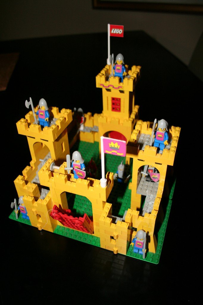 Yellow-Lego-Castle_375