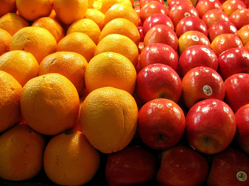 compare and contrast essay apples and oranges Compare and contrast essay about apples and orangesapples and oranges is an healthy fruit as we known on our daily life.