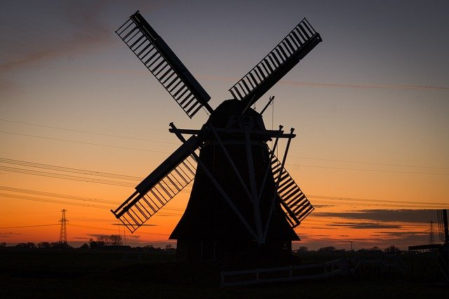 what does the windmill symbolize in animal farm
